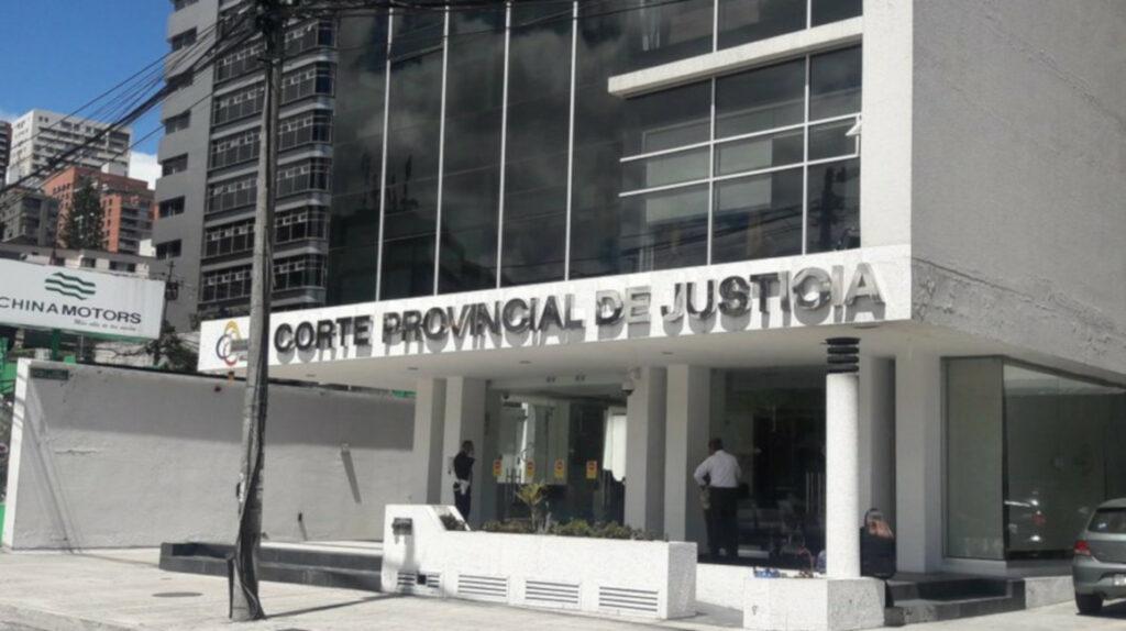 Tribunal revoca la nulidad de uno de los casos de los Bucaram