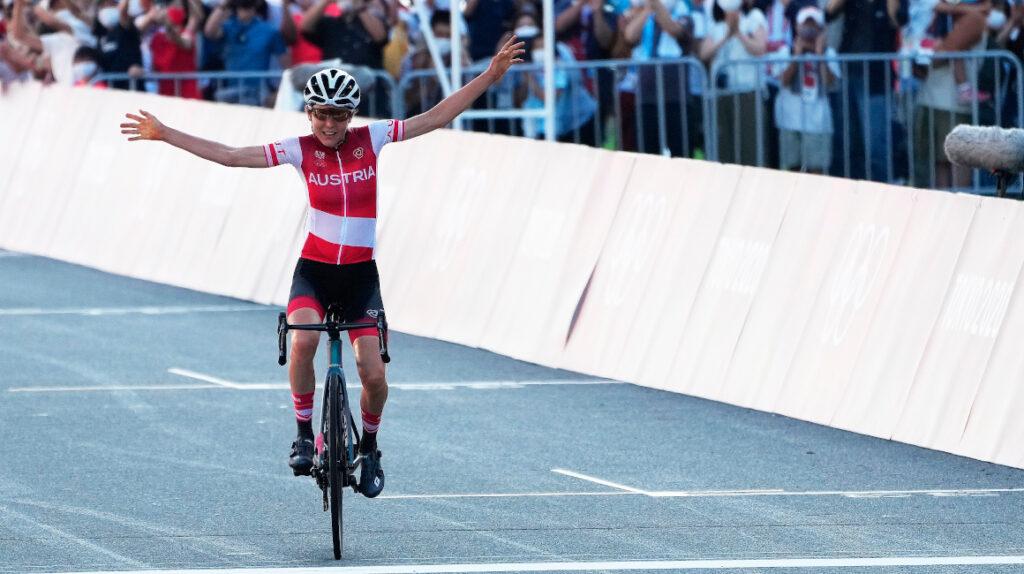 Anna Kiesenhofer, la matemática campeona de ciclismo de ruta en Tokio