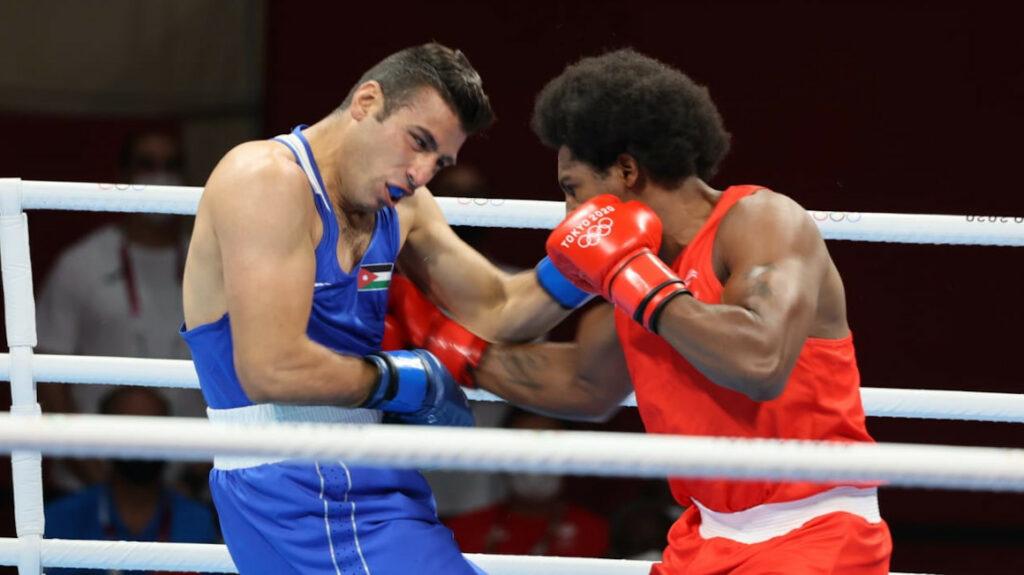 Julio Castillo pierde por decisión dividida y se despide de Tokio
