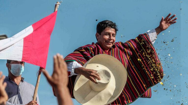 Foto de archivo del 27 de abril de 2021, que muestra al presidente Pedro Castillo, durante la campaña electoral en Lima.