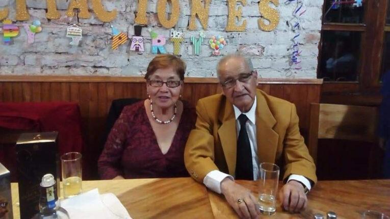 Guido Jaramillo. (83 años) y Fabiola Carrera (79 años) recibieron las dos dosis de la vacuna y se contagiaron con Covid-19.