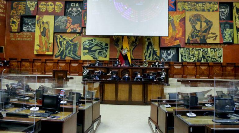 Las bancadas siguen perdiendo miembros y votos en la Asamblea