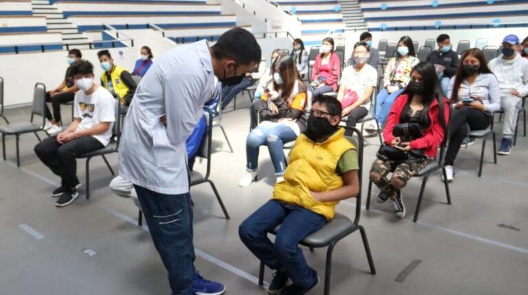 Seis puntos habilitados para vacunar a adolescentes mayores de 16 años, en Quito