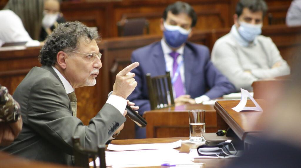 Tras escándalo de corrupción, la Asamblea piensa en reforma de la Contraloría