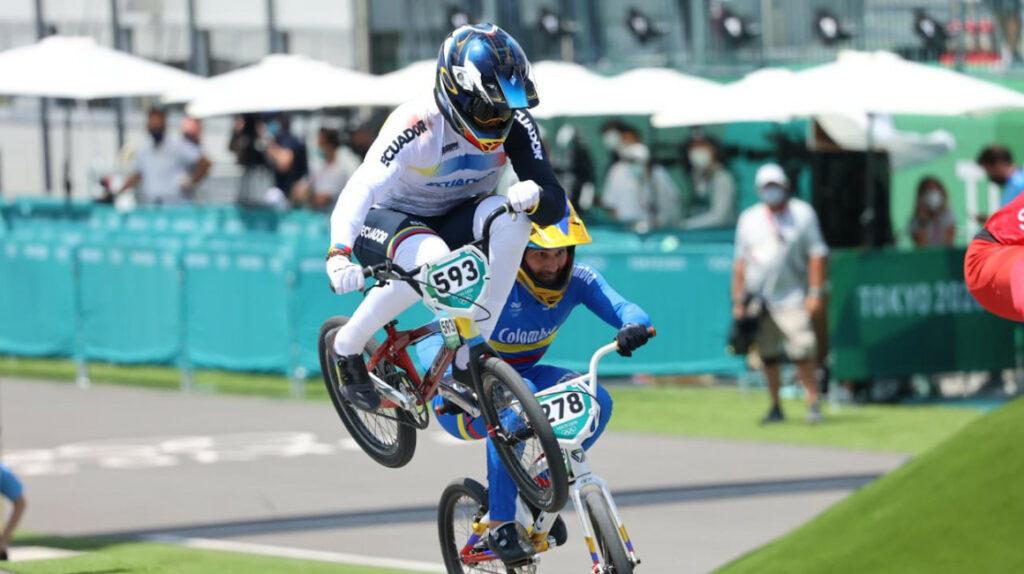 Alfredo Campo remonta y se clasifica a las semifinales de ciclismo BMX