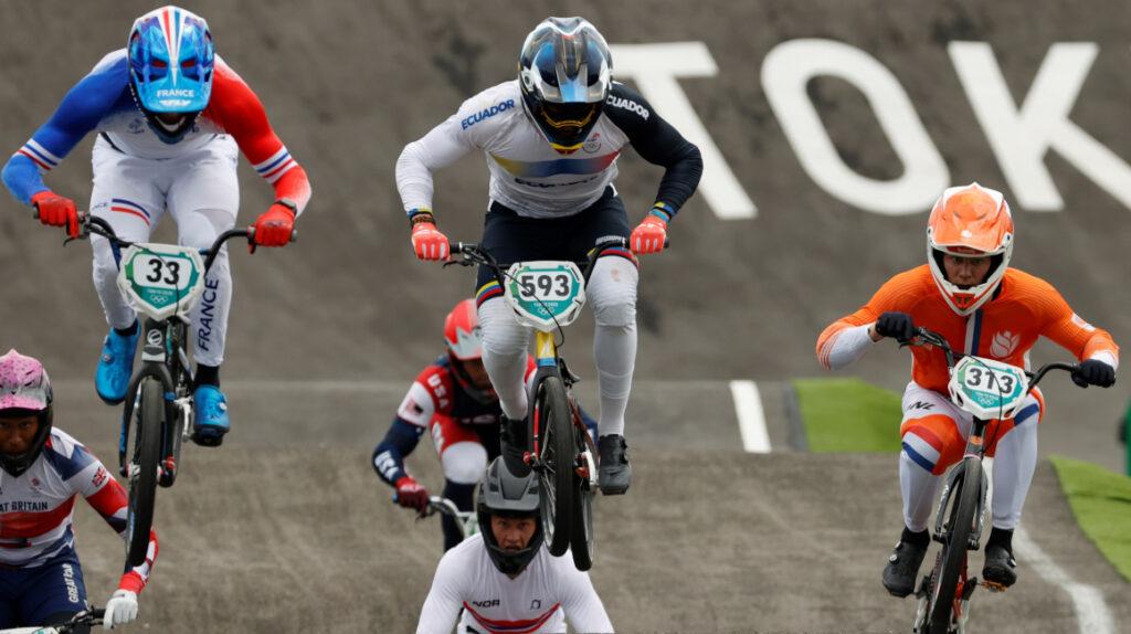 Alfredo Campo se mete a la final y va por la medalla olímpica en BMX