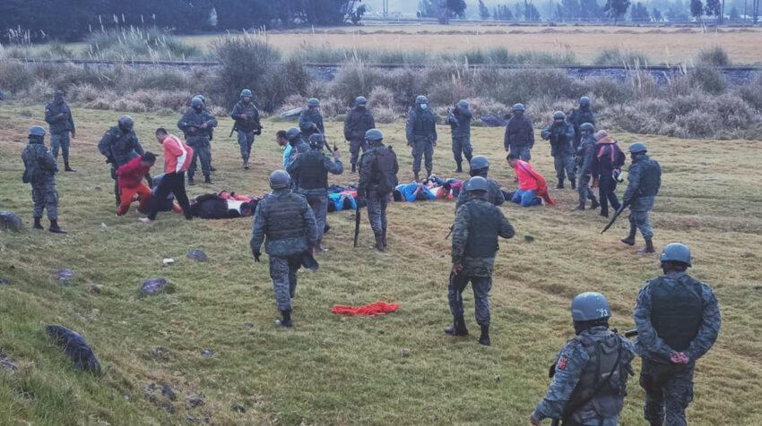 Los militares ayudaron a recapturar a los presos que se fugaron de la cárcel de Latacunga.