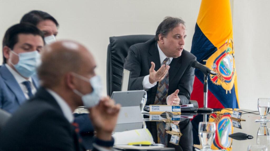 Finanzas dice que medidas económicas serán 'discutidas y consensuadas'