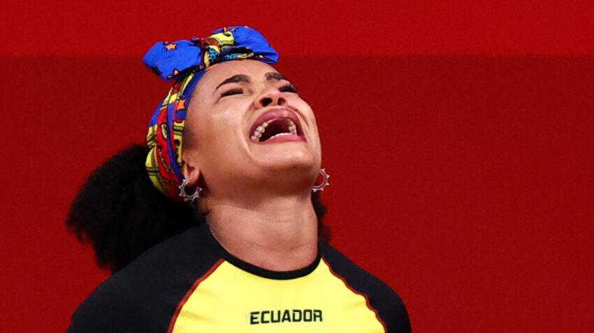 Neisi Dajomes llora durante su participación en los Juegos de Tokio 2021, el 1 de agosto.