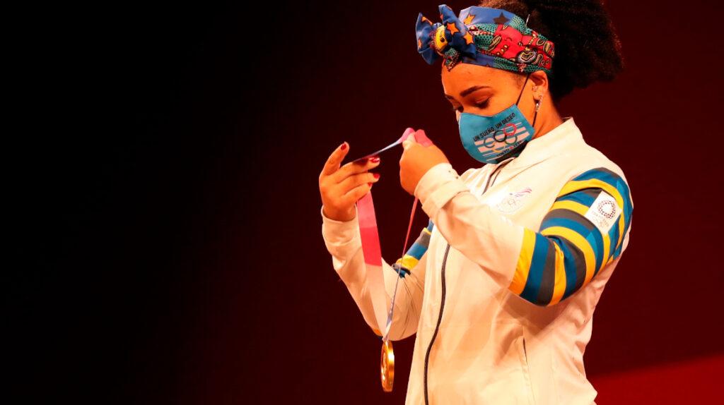 La pesista Neisi Dajomes, de la adversidad a la gloria en Tokio
