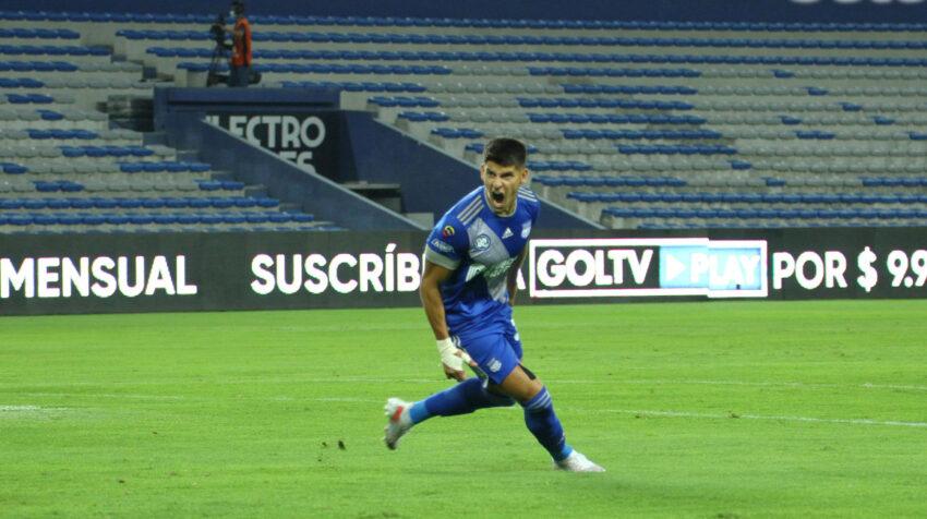 Facundo Barceló, de Emelec, celebra un gol ante Aucas por la LigaPro, el 1 de agosto de 2021.