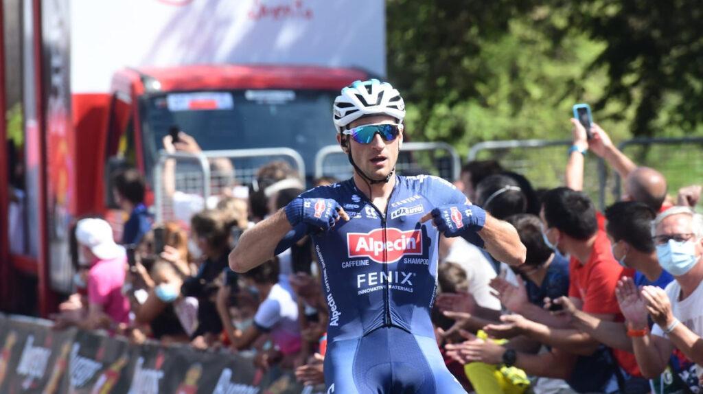 Planckaert gana la Etapa 1 en la Vuelta a Burgos y Bernal sufre una caída