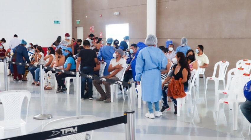 La Terminal Portuaria de Manta habilitó un vacunatorio como parte del apoyo al plan de vacunación 9/100 del Gobierno.