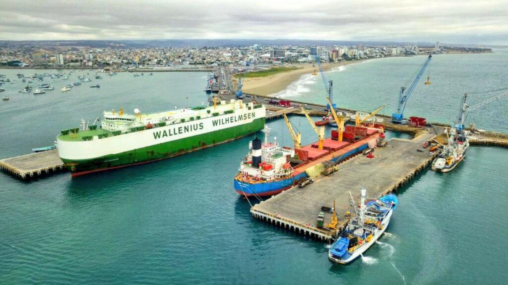 El Puerto de Manta pone los ojos en las navieras de Guayaquil