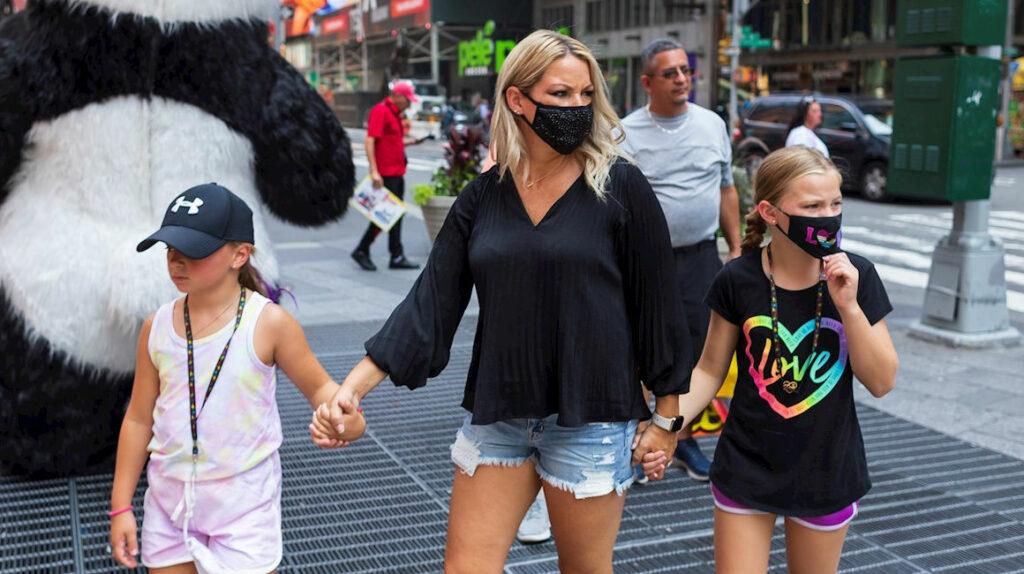 Nueva York: Sólo los vacunados podrán ir a bares, restaurantes o gimnasios