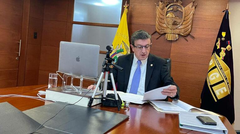 Íñigo Salvador, procurador del Estado, compareció en la Asamblea Nacional. 30 de junio de 2021.