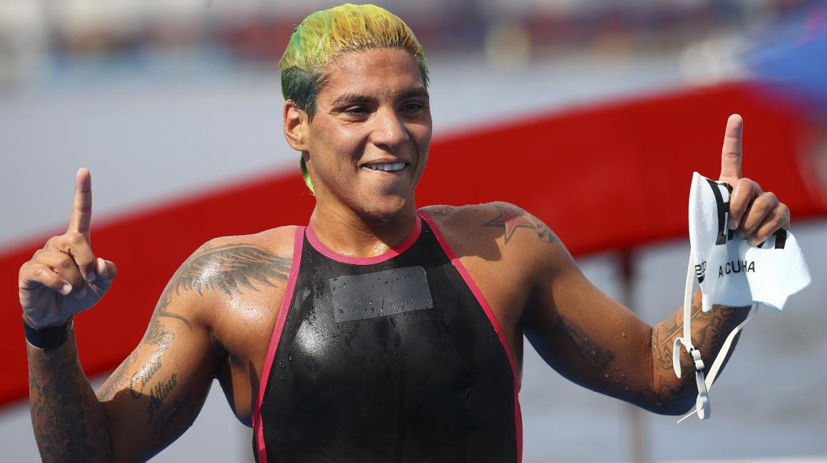 La brasileña Marcela Cunha festeja su triunfo en los Juegos Olímpicos de Tokio, el 3 de agosto de 2021.