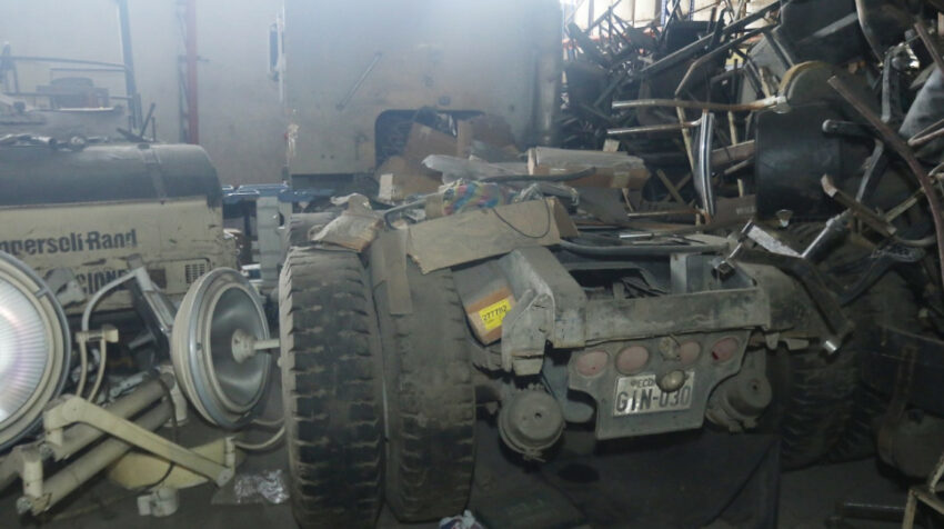 Hasta vehículos en mal estado fueron hallados en el hospital Teodoro Maldonado Carbo, de Guayaquil.