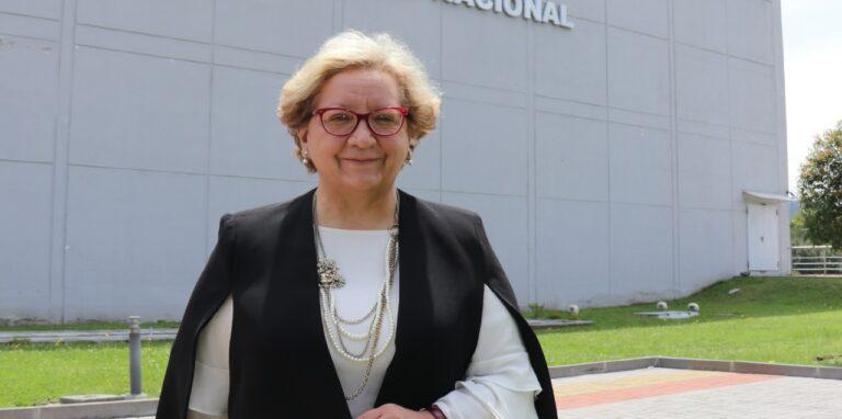 La secretaria de Salud, Ximena Abarca, en las afueras del ECU 911, en noviembre de 2020.