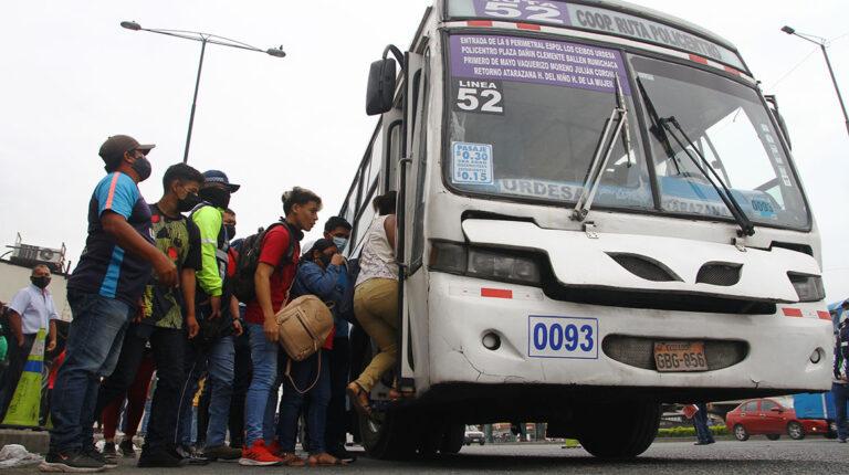 El Oro y Guayaquil restricciones son para los vacunados y no vacunados