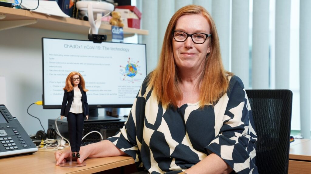 Barbie dedica una muñeca a la científica creadora de la vacuna de Oxford