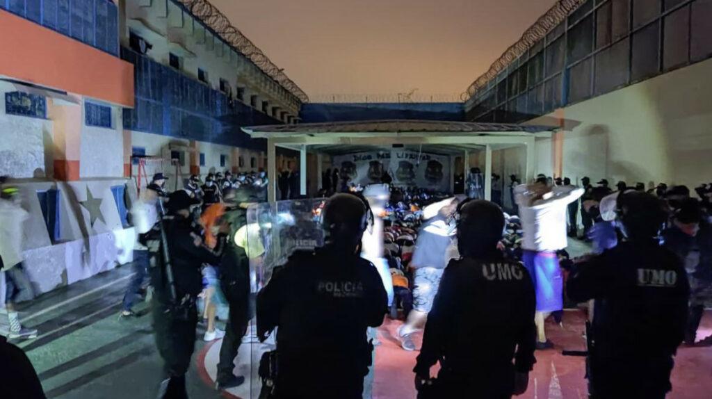 Policía halló dos granadas en operativo en la Penitenciaría del Litoral