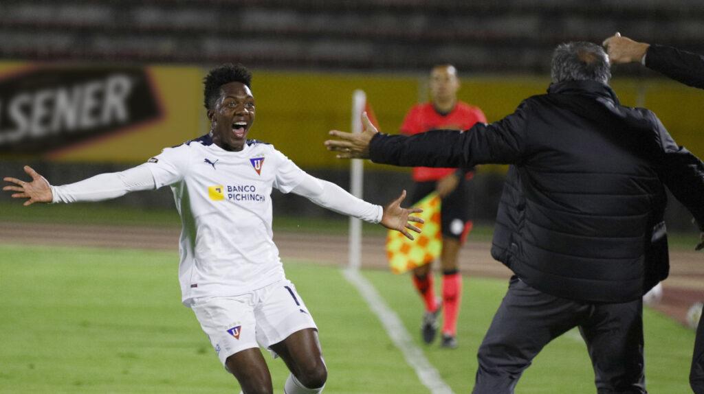 Con un golazo de Djorkaeff Reasco, Liga se lleva un empate ante Católica