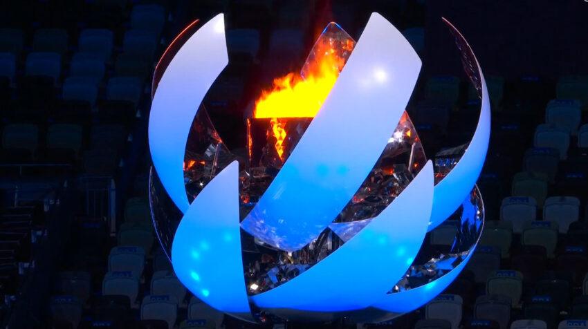 El pebetero de Tokio con la llama olímpica se cerró.