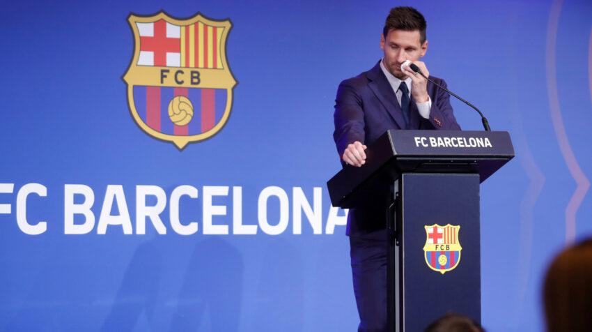 Lionel Messi en su discurso de despedida en el Auditorio 1899 del FC Barcelona, el domingo 8 de agosto de 2021.
