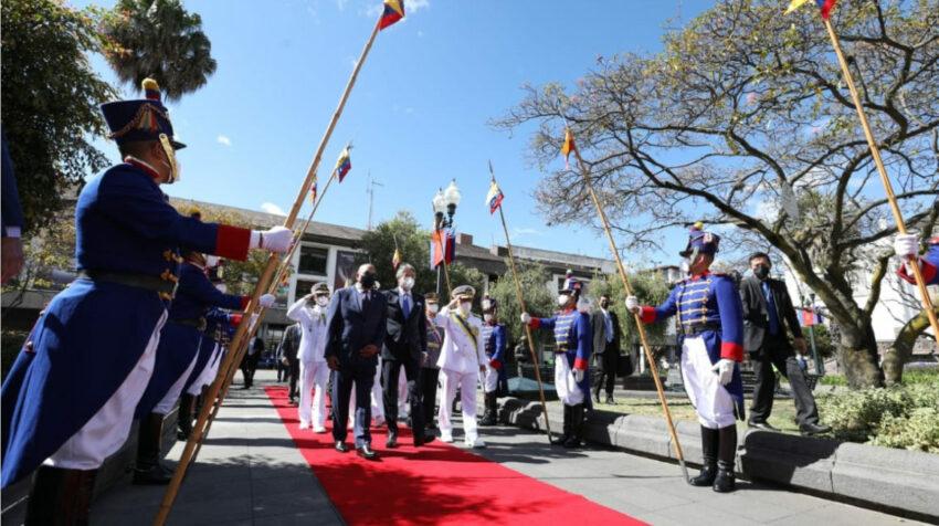 El presidente Lasso en la ceremonia de conmemoración por los 212 años de independencia, el 10 de agosto de 2021, en Quito.