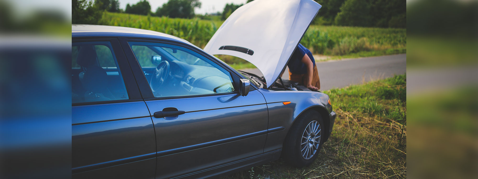 ¿Líquido refrigerante o agua? Lo mejor para su carro