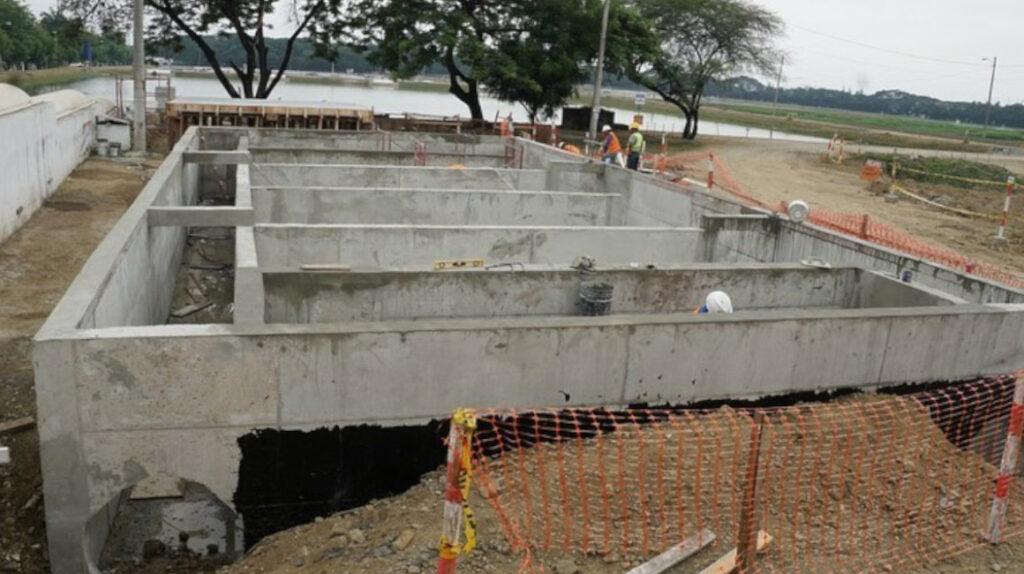 Malos olores, el precio que se paga en Guayaquil por tratar aguas servidas