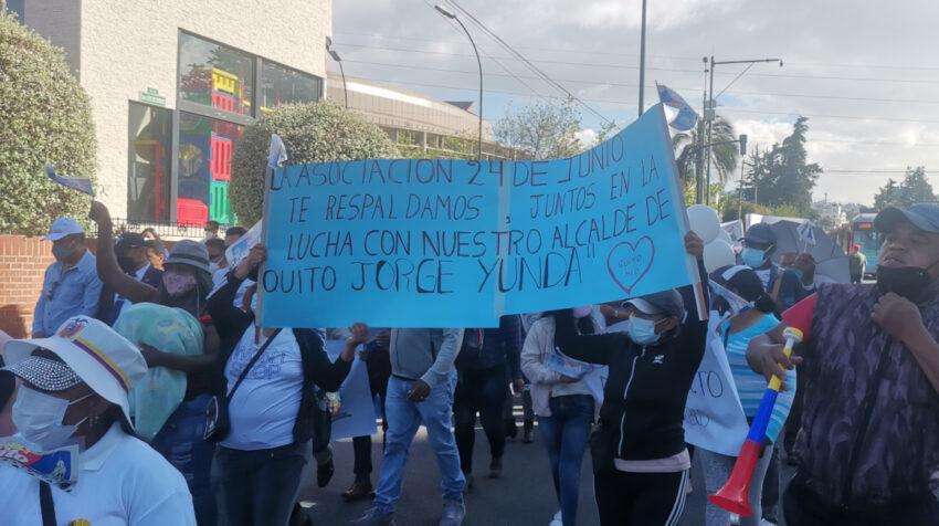 Simpatizantes a favor del alcalde Jorge Yunda durante la marcha del 10 de agosto del 2021.