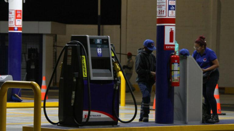 Ejecutivo oficializa congelamiento de precios de combustibles vía decreto