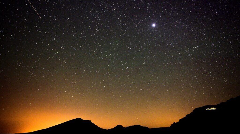 Astrónomos detectan señales de radio insólitas provenientes de la Vía Láctea