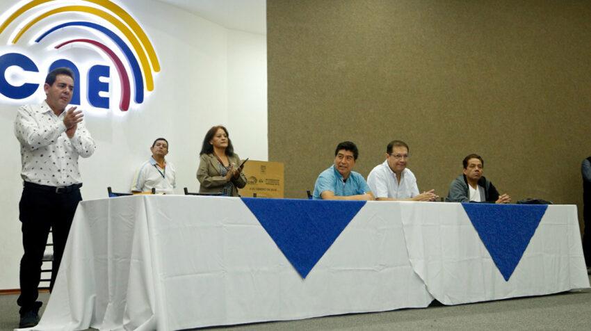 Jorge Yunda y Santiago Guarderas inscribieron sus candidaturas para alcalde y concejal de Quito, el 1 de diciembre de 2018.