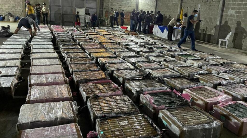 Prisión preventiva para detenidos con 9,4 toneladas de cocaína en Guayaquil