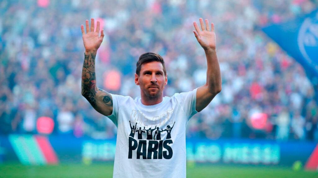 El Parque de los Príncipes enloquece con Lionel Messi