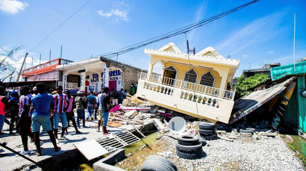 Número de muertos en Haití a causa del terremoto sube a 724
