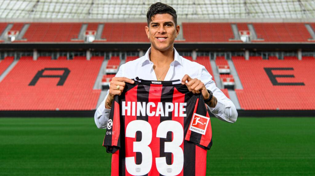 Piero Hincapié ficha por el  Bayer Leverkusen y usará el dorsal 33