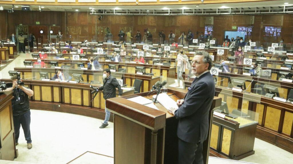 Asamblea Nacional censura por unanimidad al excontralor Pablo Celi