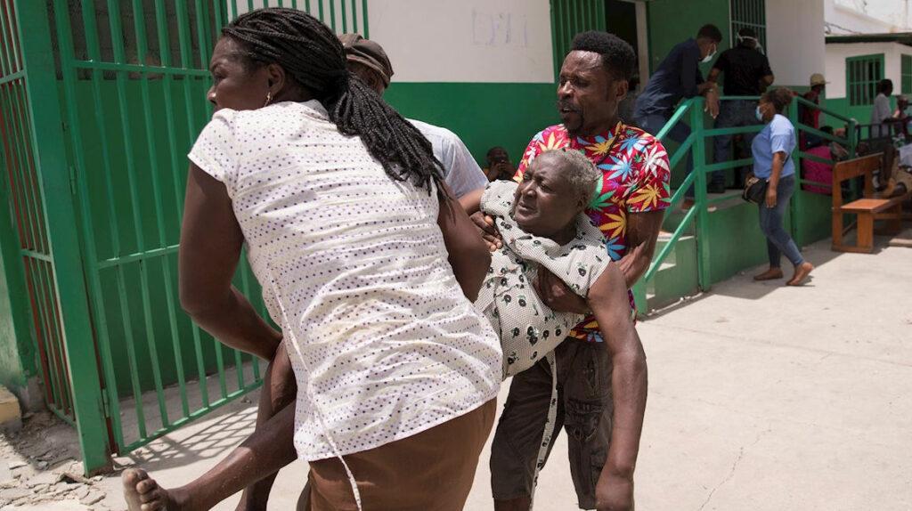 Haití: El número de muertos por el terremoto sube a 1.419