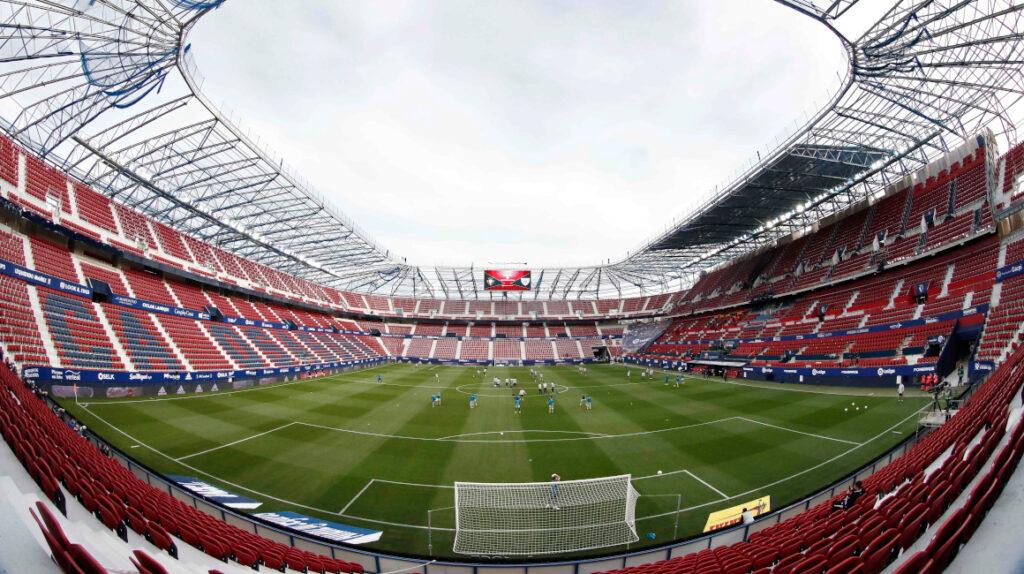 Sin público en los estadios, la ventaja de jugar como local se reduce a la mitad