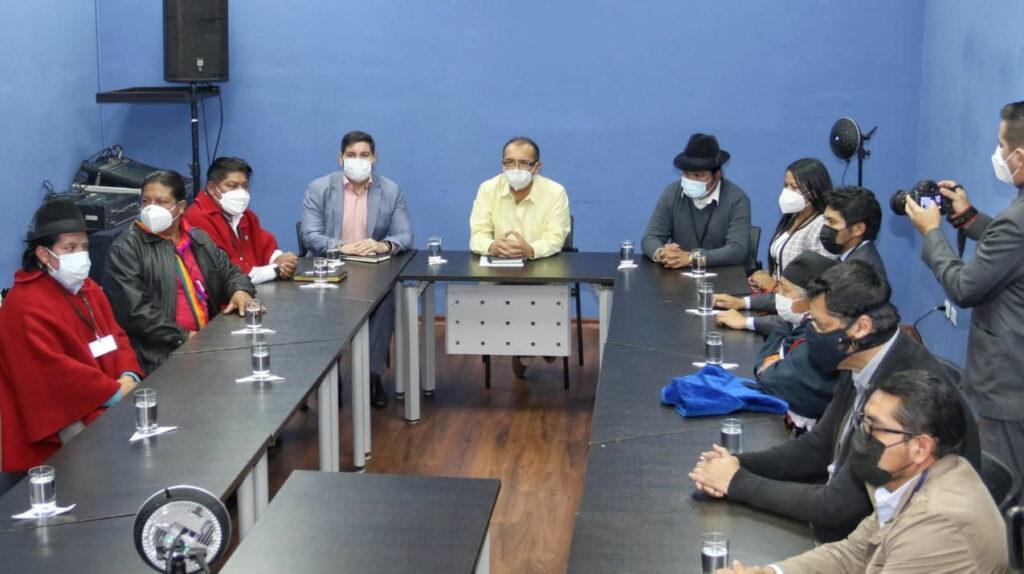 La primera reunión entre el Gobierno y la Conaie, sin los actores principales
