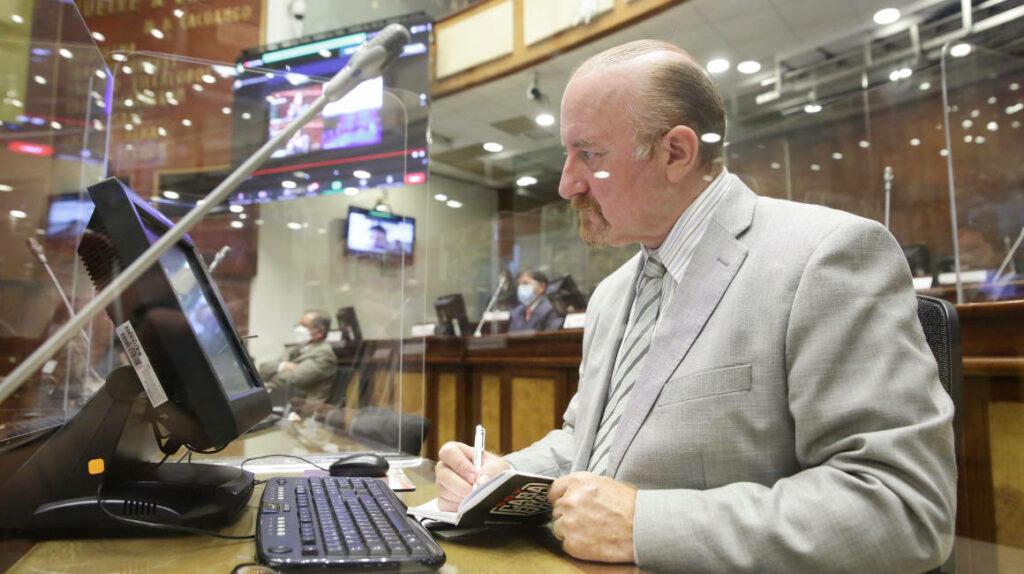 Guido Chiriboga es electo como el nuevo presidente de Creo