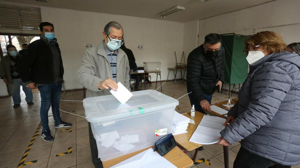 Chile define a sus candidatos presidenciales de derecha e izquierda