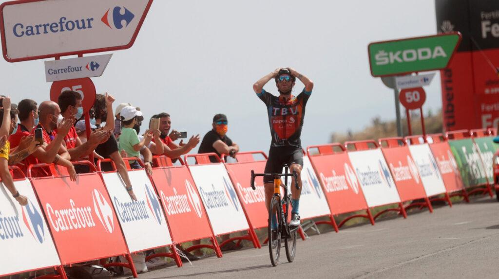 Caruso se lleva la Etapa 9 de la Vuelta y Roglic se mantiene como líder