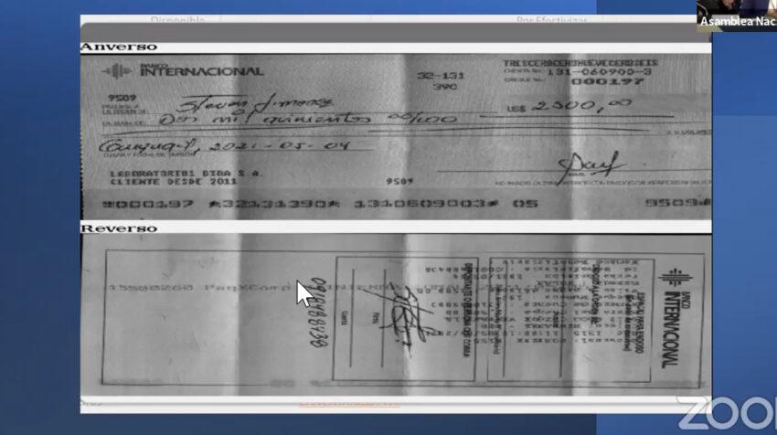 Copia del cheque, incluida en la denuncia de Victoria Desintonio (UNES) contra Bella Jiménez.