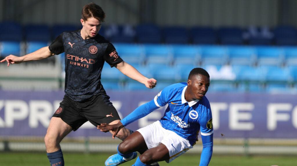Moisés Caicedo debutó en la victoria del Brighton frente al Cardiff