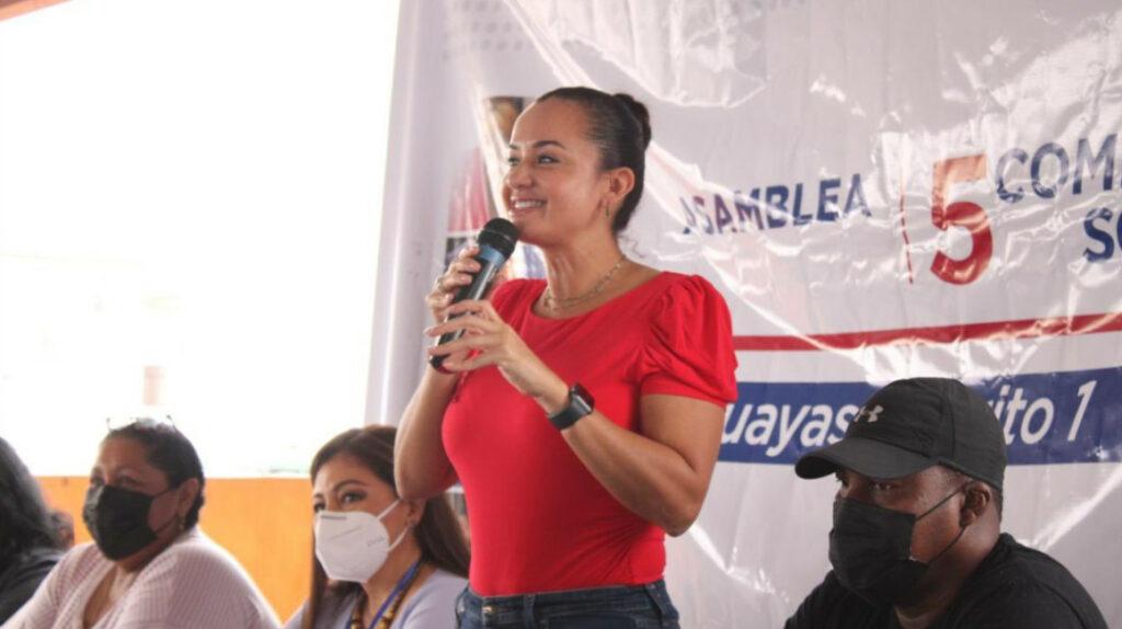 Marcela Aguiñaga busca ser el nuevo rostro del correísmo